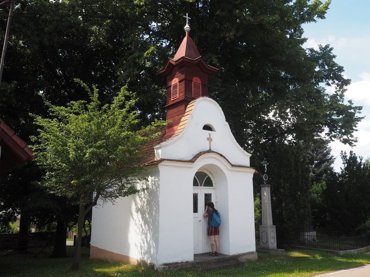 kaplička v Újezdu u Chanovic