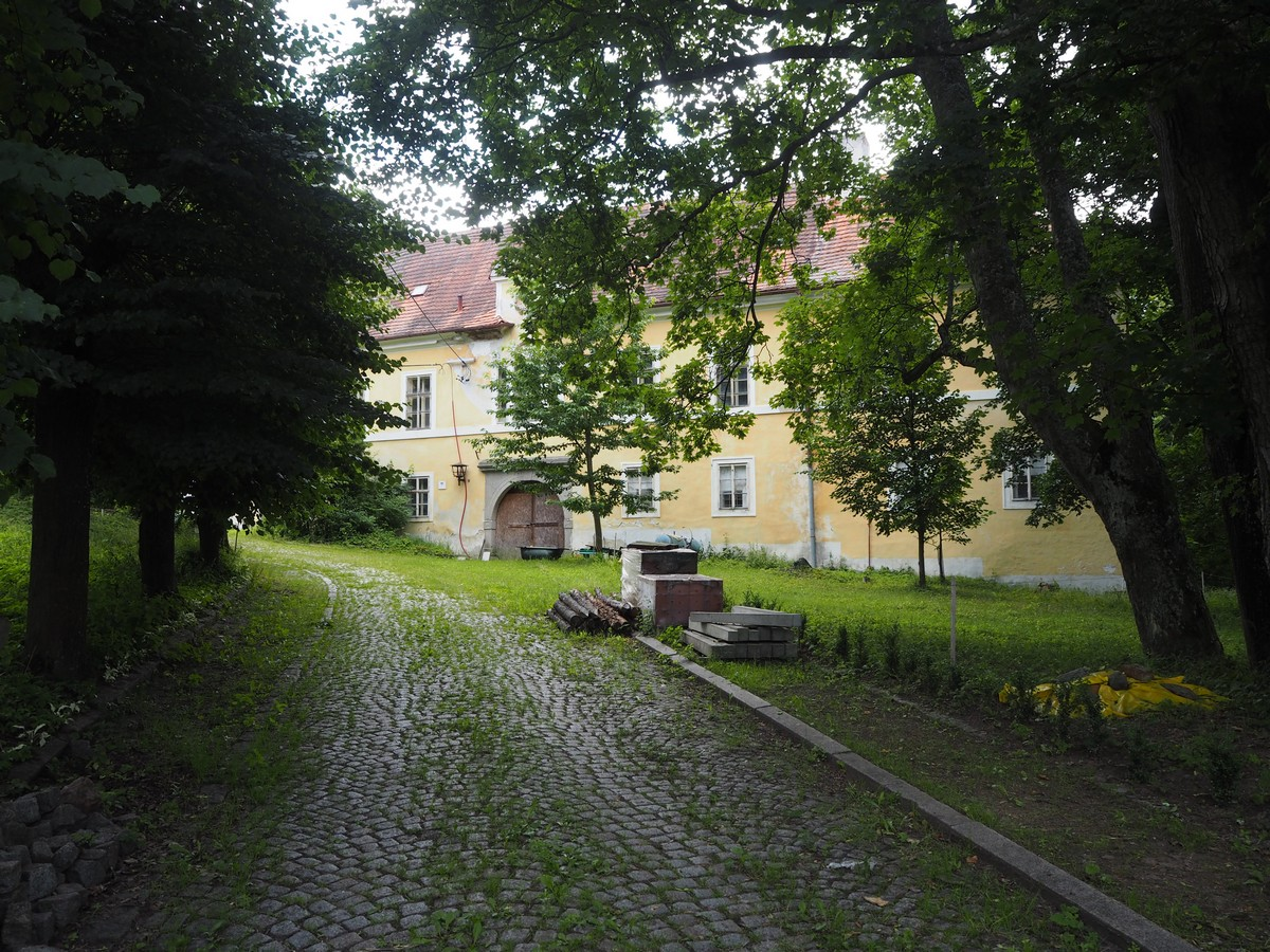 zámek Defurovy Lažany