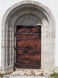 neuvěřitelné dveře do kostela